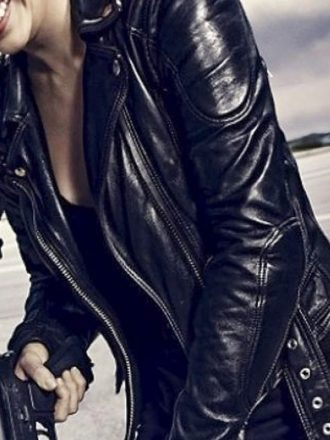 Terminator 5 Genisys Emilia Clarke Leather Jacket 01