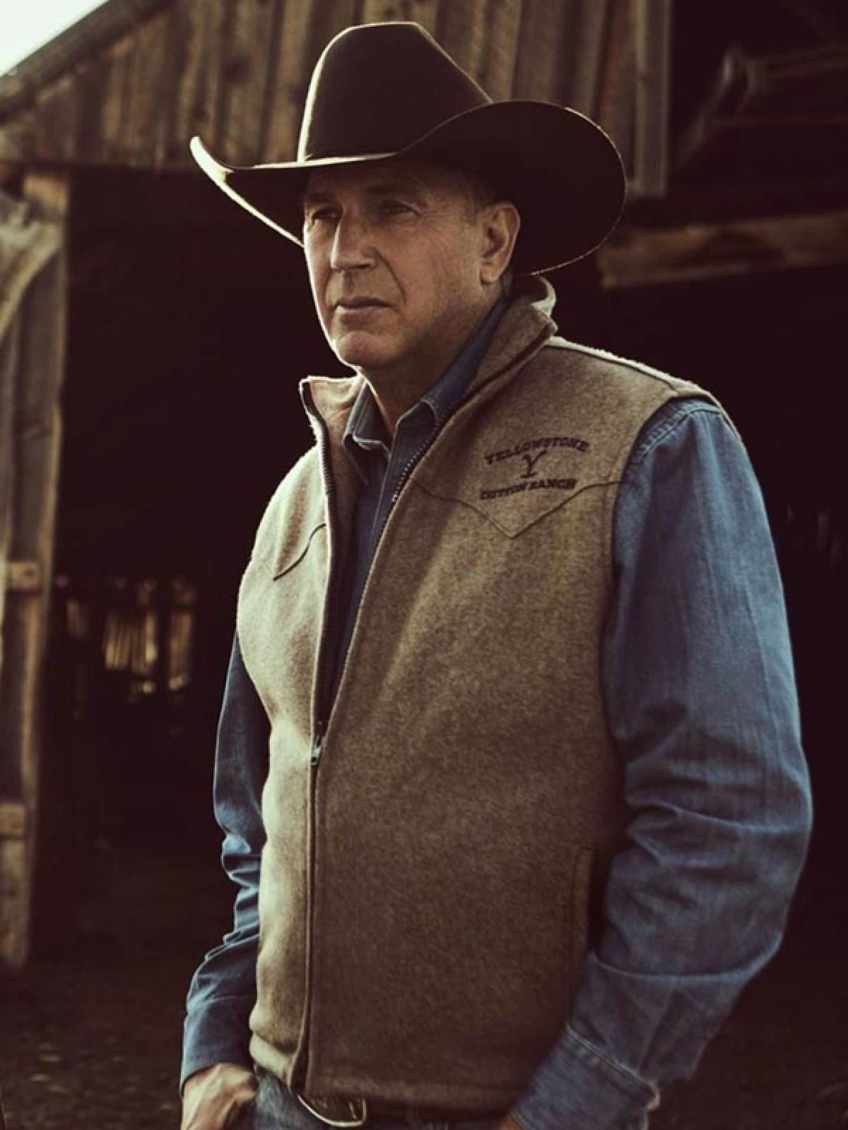Kevin Costner Yellowstone S03 Brown Vest