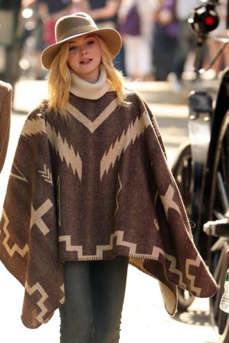 Elle Fanning A Rainy Day In New York Wool Poncho