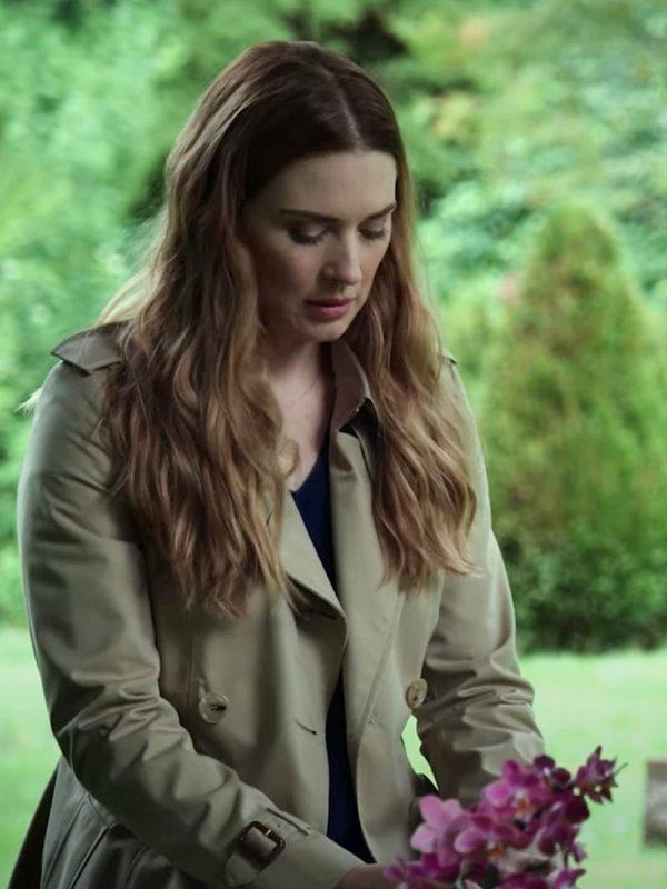 Alexandra Breckenridge Virgin River S02 Melinda Monroe Beige Trench Coat