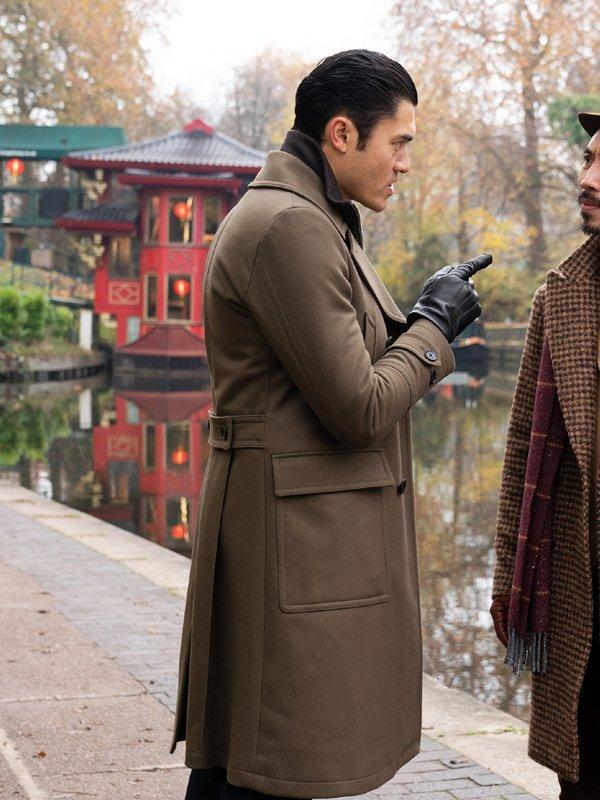 Henry Golding The Gentlemen Dry Eye Brown Coat