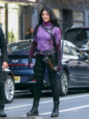 Tv Series Hawkeye Hailee Steinfeld Purple Jacket