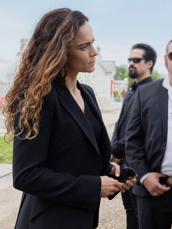 Teresa Mendoza Tv Series Queen of the South Alice Braga Black Blazer
