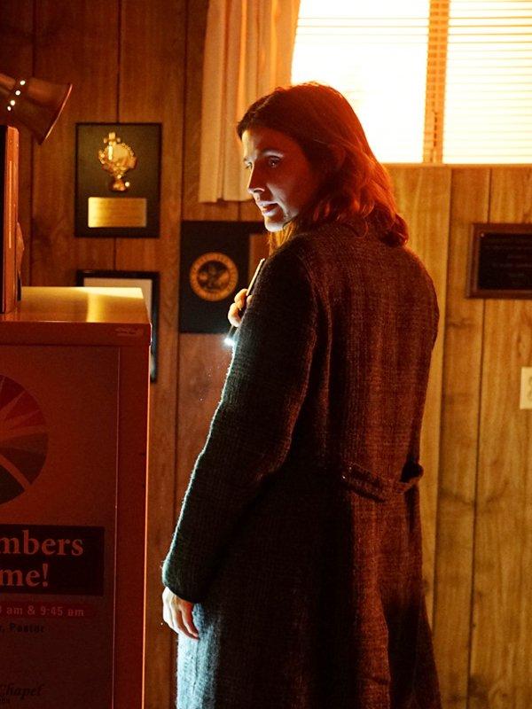 Dex Parios Stumptown S02 Cobie Smulders Grey Wool Trench Coat